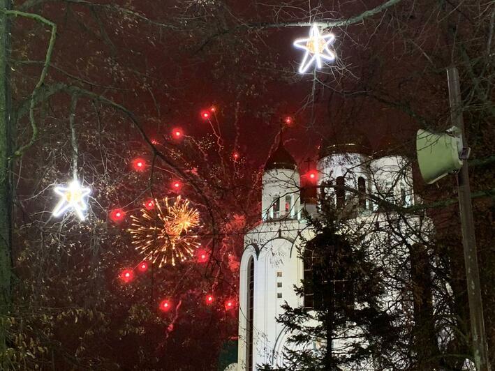 Новогодние гуляния на площади Победы в Калининграде посетили более 10 000 человек - Новости Калининграда | Фото: пресс-служба администрации Калининграда